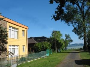 Nyaralóház csak 40 m-re a Balatontól, ingyen WIFI-vel
